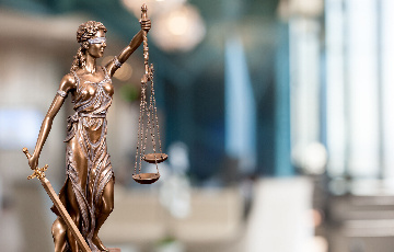 律师受委托为黄某某盗窃辩护案缩略图